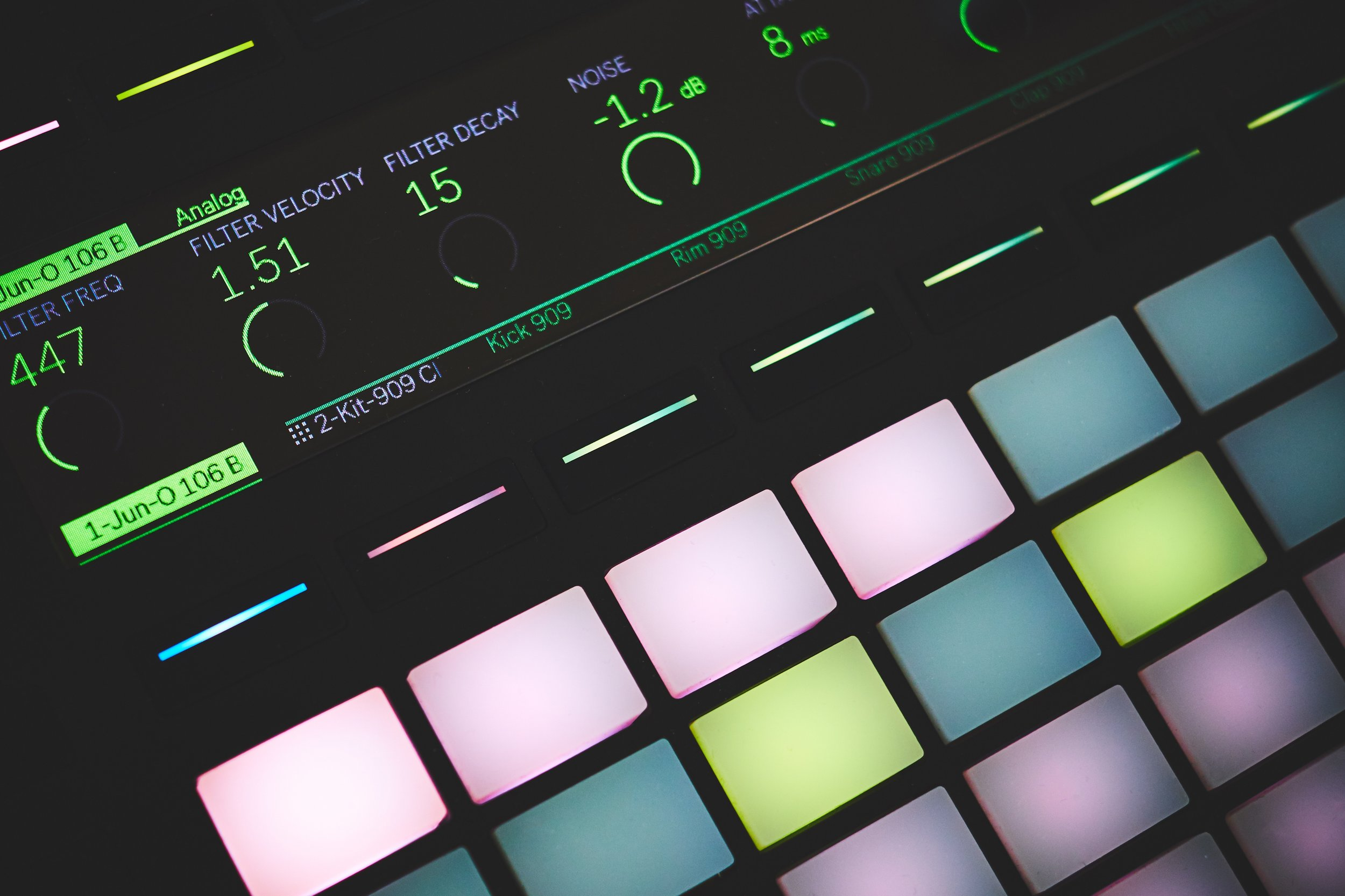 MIDI Controller (@lucabravo)