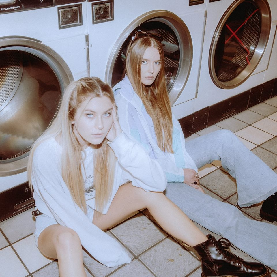 Natalia and Ruby (@victoriamouraphoto)