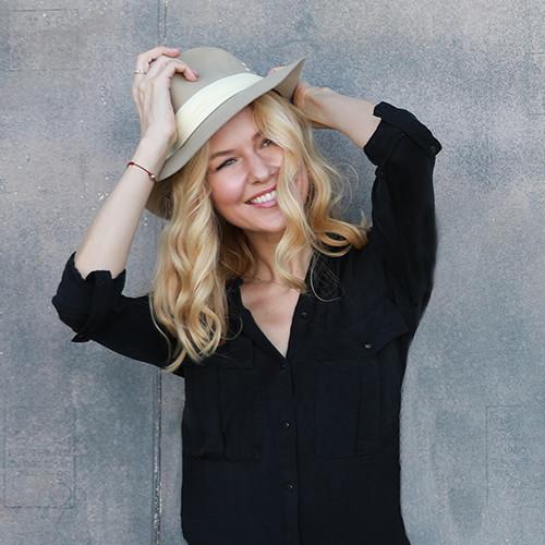 Kaitlin Robinson, Light Coach from Los Angeles.