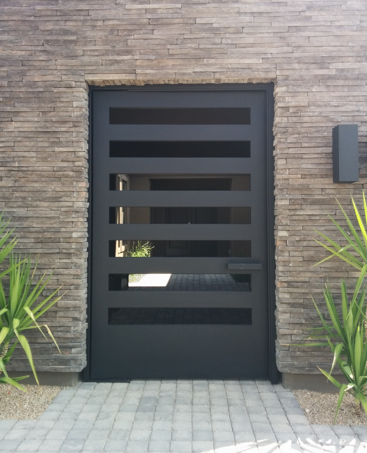 CONTEMPORARY STEEL GATE 5