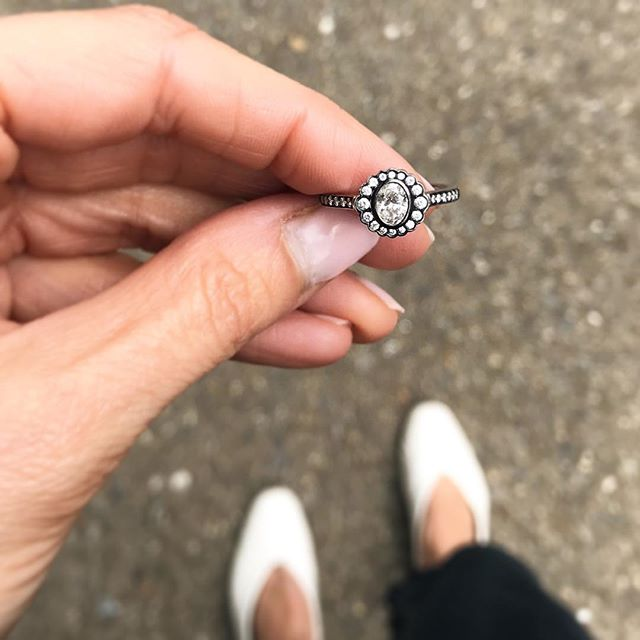 Monochrome   ◼️◻️◼️ Matching my rings with my outfit today with this beaut of a halo design from @econe_jewellery...blackened rhodium plated gold and white diamonds - see it sparkle in my stories ◼️◻️◼️ Available to buy from @econe_jewellery on London's Exmouth Market #ringsformodernlovers . . . . . #monochromaticoutfit #monochromefashion #blackgold #diamondring #alternativebridal #modernbride #londonbride #londonshopping #ringspiration #weddingwednesday #showmeyourrings #blackandwhite #jewellerytrends #bijouxlovers #bijouxfemme #bijouxtendance #jewelrytrends #jewellerylover #modernvintage #jewelleryaddict #thecutlondon #findmethering