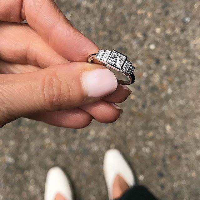 Love the Deco lines of this @econe_jewellery diamond ring...white shoes at it again, apologies 🤷🏻‍♀️ #whiteshoes . . . . . #ringsformodernlovers #diamondrings #engagementringideas #proposalring #proposalideas #shesaidyes #artdecoring #bijouxfemme #bijouxlovers #jewellery_blog #jewelleryaddict #jewelleries #artdecoengagementring #minimalista #londonjewellery #bespokeengagementring #londonstyle #jewelryaddict #jewelrybox #showmeyourrings #findmethering #thecutlondon
