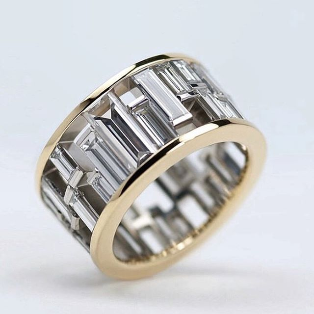 I mean, the dream @mingjewellerylondon ✨✨✨ . . . . #ringsformodernlovers #findmethering #bijouxlovers #baguettediamonds #baguettering #engagementringideas #ringspiration #ooakjewelry #ooak #jewellerymaker #londonjeweller #madeinlondon #futureheirloom #luxuryjewellery #designerjewelry #jewellery_blog #jewellery_blog #jewelleryconsultant #jewelryaddict #thecutlondon