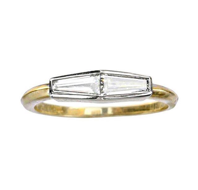Double Trouble via my favourite vintage repurposers @eriebasin ✨ #ringsformodernlovers . . . . #weddingwednesday #bijouxlovers #jewellery_blog #jewelryaddict #vintagediamondring #antiquejewelry #vintagejewellery #diamondring #ringspiration #diamondweddingband #goldrings #minimalista #minimaliststyle #ethicaldiamonds #recycledfashion #recycledesign #jewelleryblog #findmethering #madeinbrooklyn #handmadejewellery #handmadejewelrydesign #thecutlondon