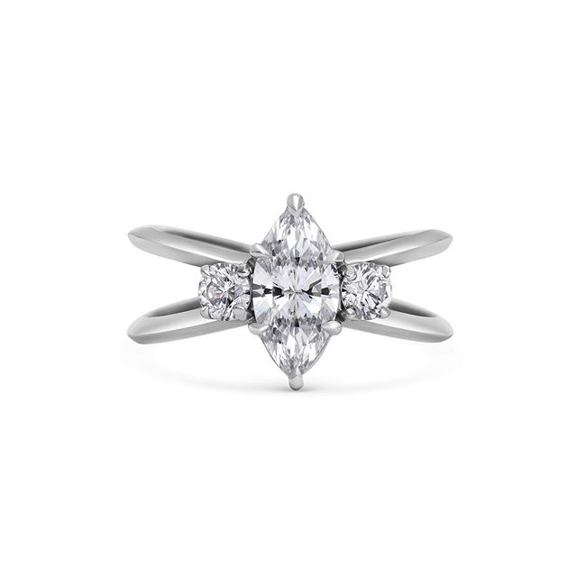 Double band ✔️Triple threat diamond design ✔️Made by a female led independent business ✔️ @rachelbostonjewellery 🙌🏻👊🏻💪🏻 #ringsformodernlovers . . . . #modernlovers #ringfinger #diamondring #ringspiration #showmeyourrings #engagementringinspiration #instajewel #jewelleryblog #jewelleryblogger #jewellerydesigner #finejewellery #engagementring #jewelleryinfluencer #ido #shesaidyes #bespokerings #londoner #londoncalling #londonlove #gemstones #alternativewedding #jewelryblog #jewelryblog #jewelrytrends #jewellerydesign #createcultivate #proposal #femaleceo #womeninbusiness