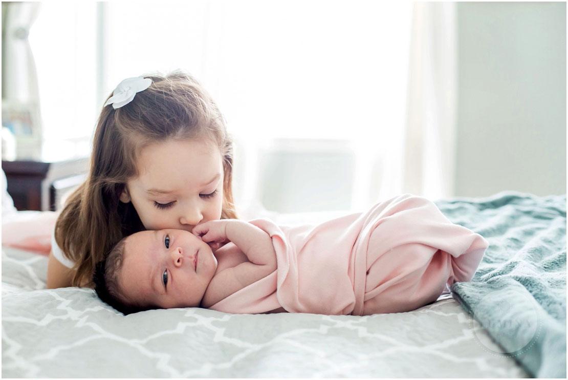 Bedford New Hampshire Newborn Photographer_004.jpg