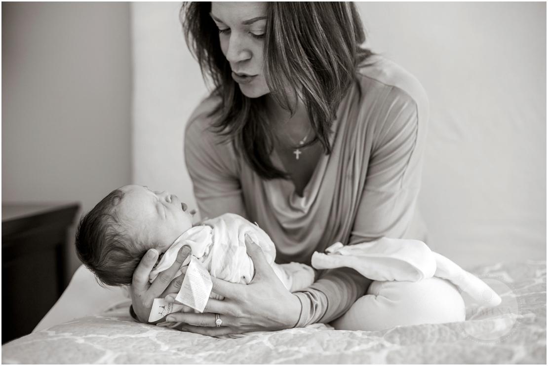 Bedford New Hampshire Newborn Photographer_010.jpg