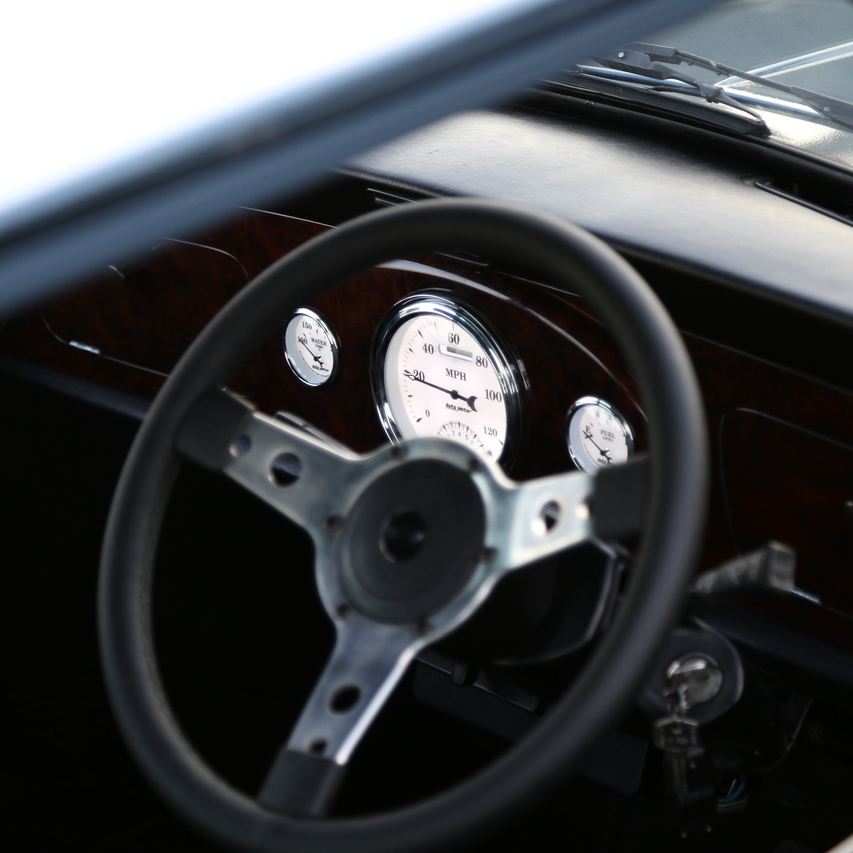 MK3 Sport interior shown with Padded dash and Center binnacle gauge cluster.