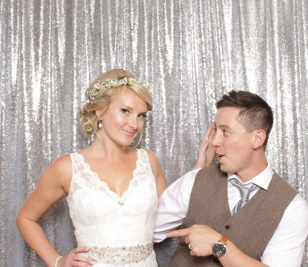 WEDDING PHOTOBOOTH SHOT