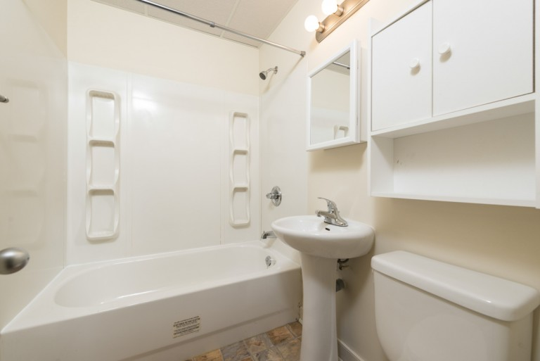 Bathroom-66-768x513.jpg