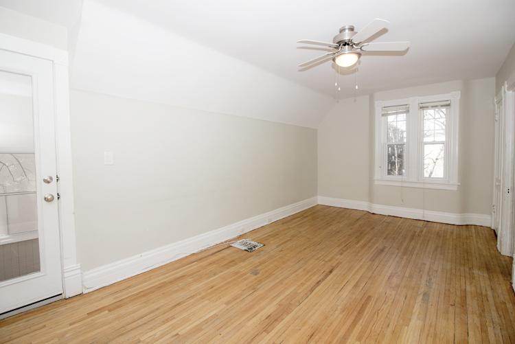 378 Stradbrook_Livingroom_v2.jpg