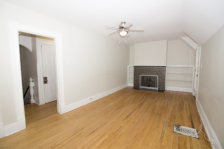 378 Stradbrook_Livingroom_v1.jpg