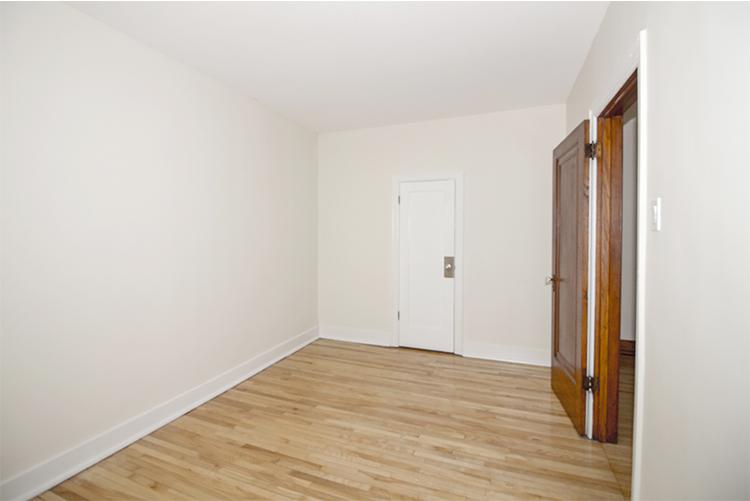 Unit10_1BDR_Bedroom_Pic2.jpg