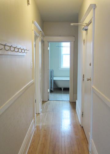 980_Wolseley_AptSuite12_Hallway.jpg