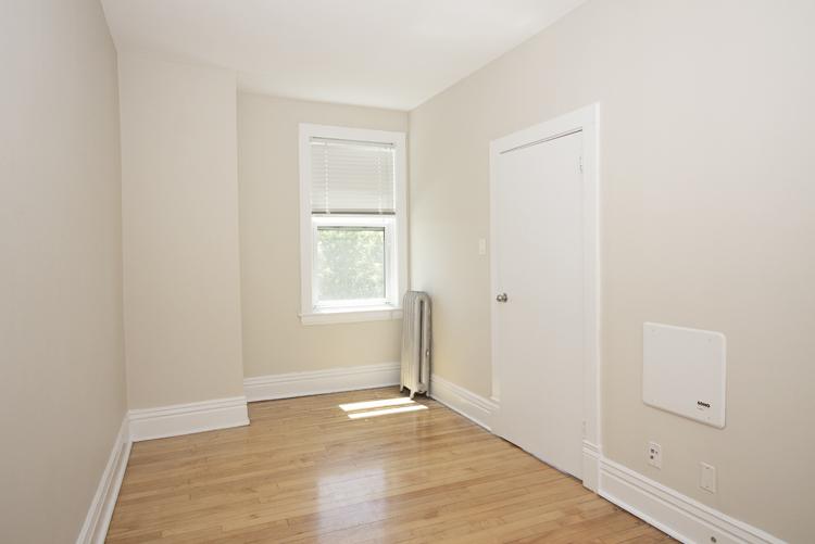 Bedroom_v1.jpg