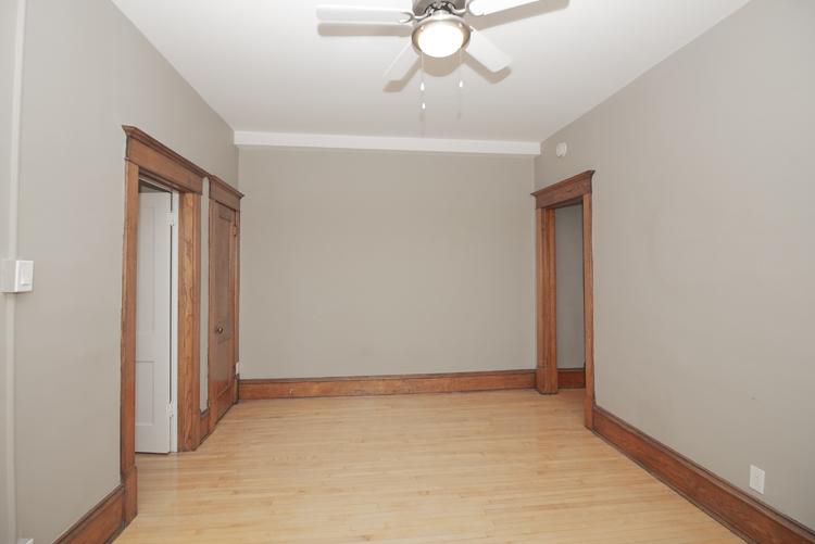 Living Room_v2.jpg