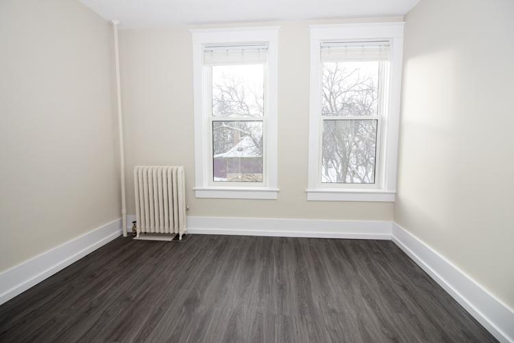 875 Westminster - Bedroom - Pic2 - Suite 5.jpg