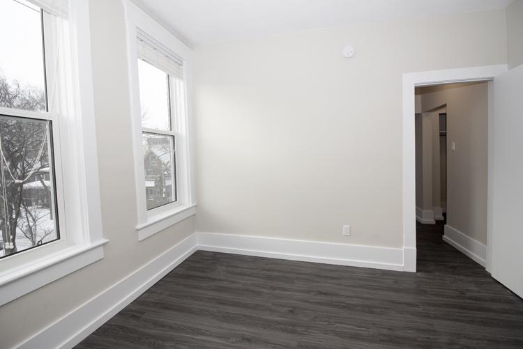 875 Westminster - Bedroom - Pic4 - Suite 5.jpg