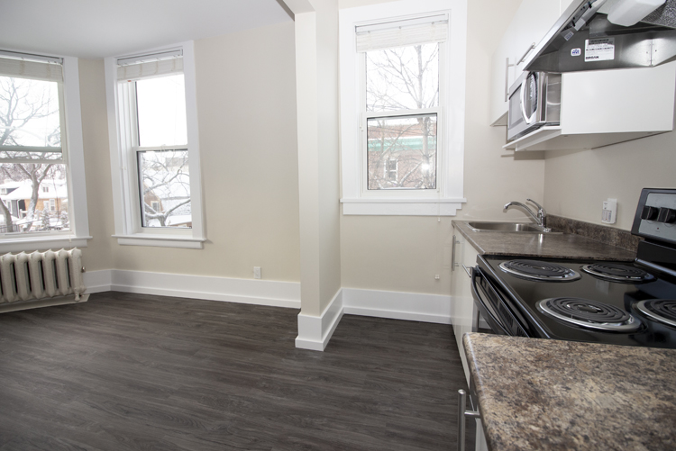 875 Westminster - Kitchen - Pic1 - Suite 5.jpg