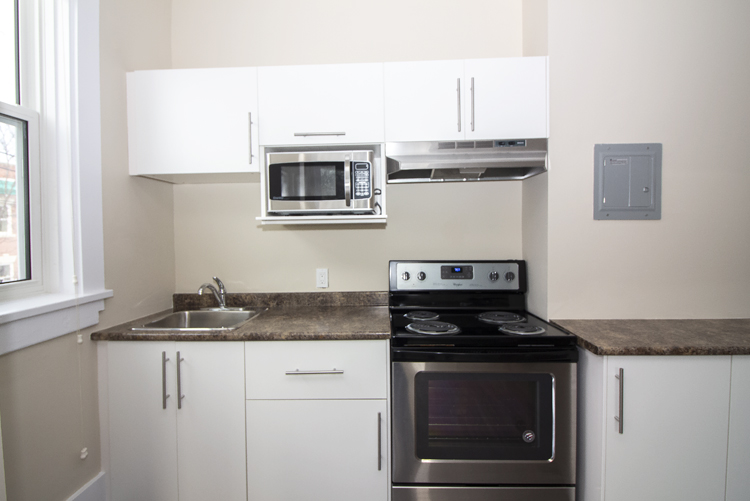 875 Westminster - Kitchen - Pic3 - Suite 5.jpg
