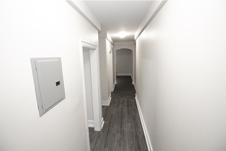 Suite 4 Hallway.jpg