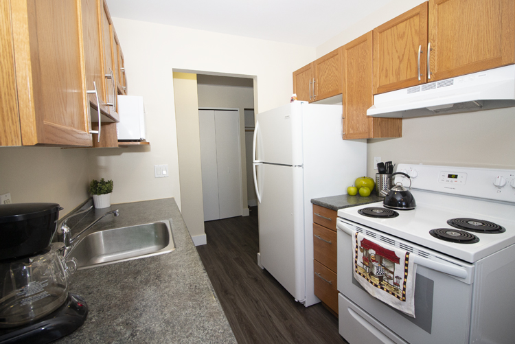 Kitchen_v1.jpg