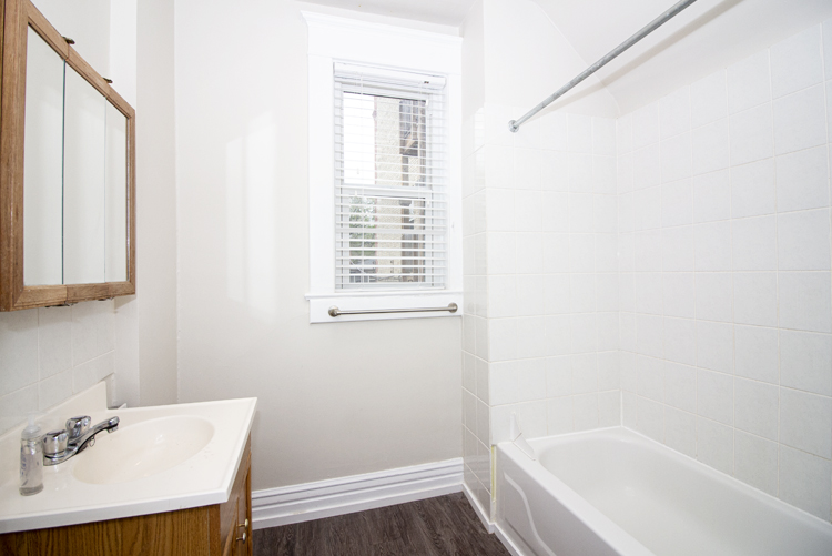 589 Fleet Avenue - Bathroom.jpg