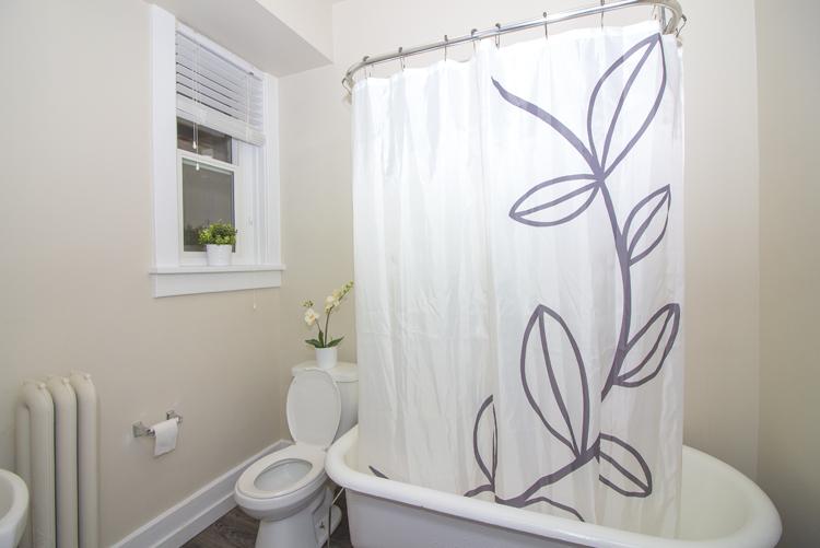 Bathroom_v2.jpg