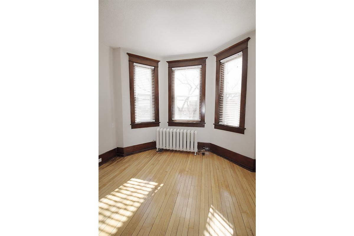 LivingroomArea4.jpg