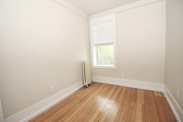 277Arbuthnot_Bedroom1_Suite7.jpg
