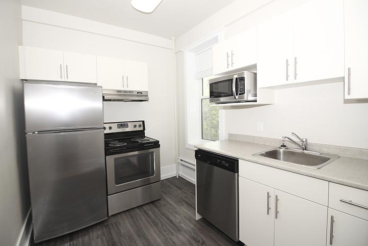 277Arbuthnot_Kitchen1_Suite7.jpg