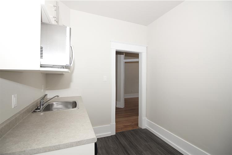 277Arbuthnot_Kitchen2_Suite7.jpg