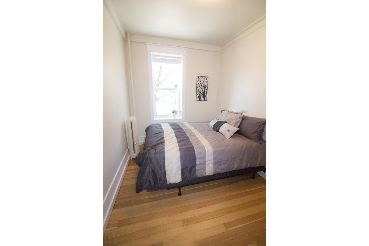 Bedroom Pic 3.jpg