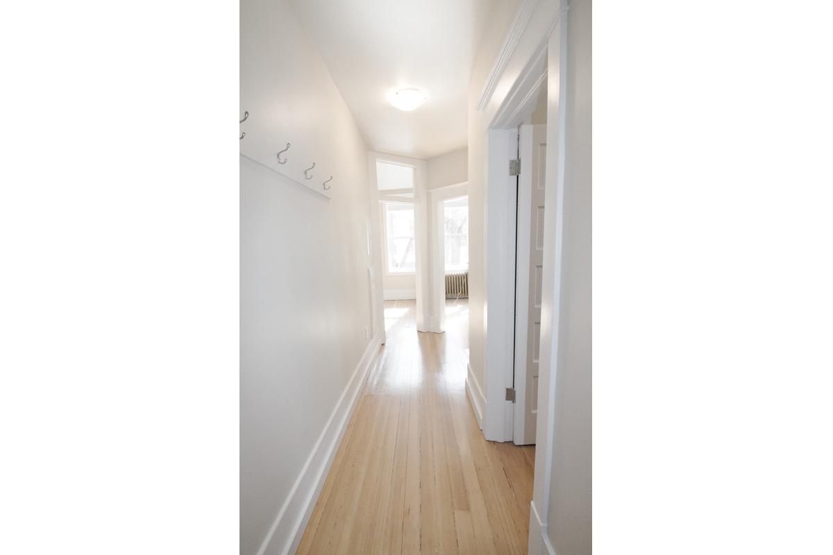Hallway Pic 2.jpg