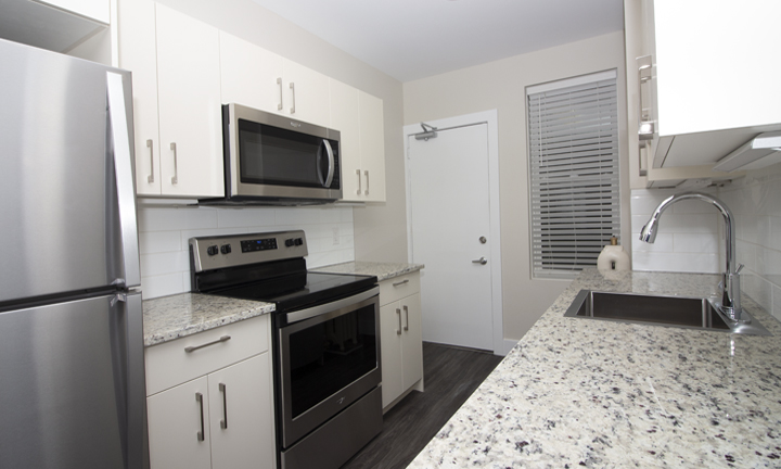 834 Grosvenor - Renovated 2 Bedroom - Kitchen_v1.jpg