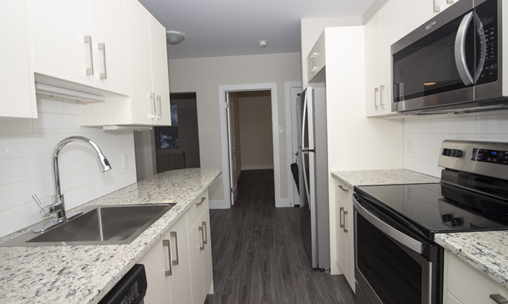 834 Grosvenor - Renovated 2 Bedroom - Kitchen_v2.jpg
