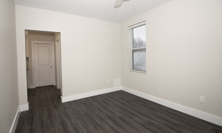 834 Grosvenor - Renovated 2 Bedroom - Livingroom_v3.jpg