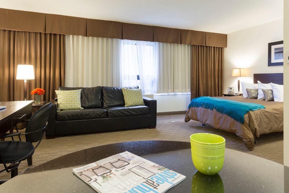190 Smith Street_Livingroom_v1.jpg