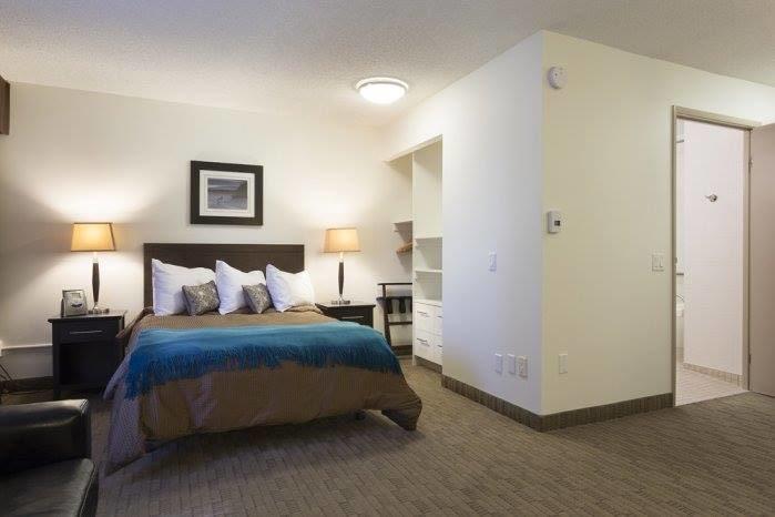 BedroomTeal.jpg.af919d6d.jpg