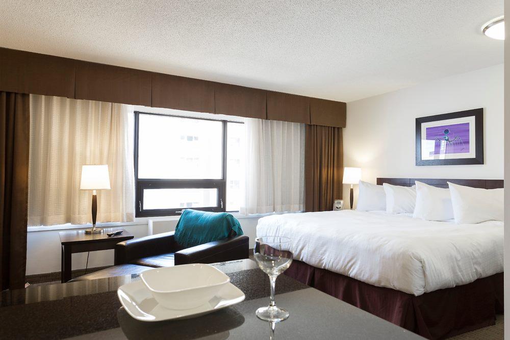 Bedroom Room Service.jpg