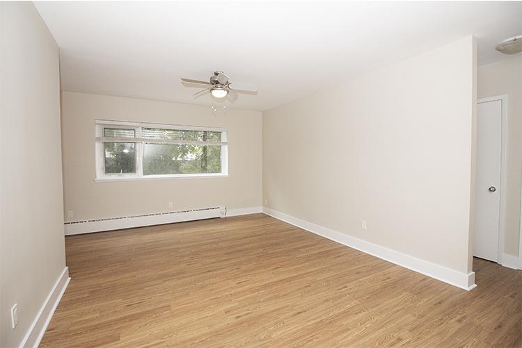 114 River_Suite 5_Livingroom_v1.jpg