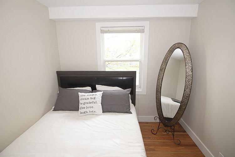 305 Marion - Suite 4 - Bedroom1_v2.jpg