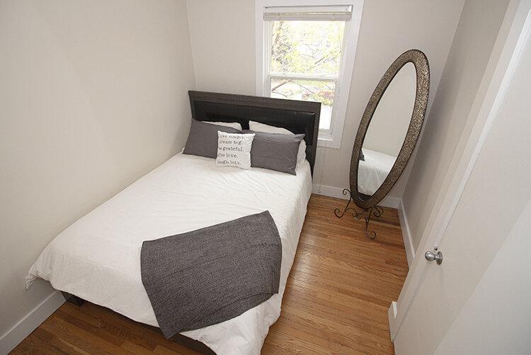 305 Marion - Suite 4 - Bedroom1_v1.jpg