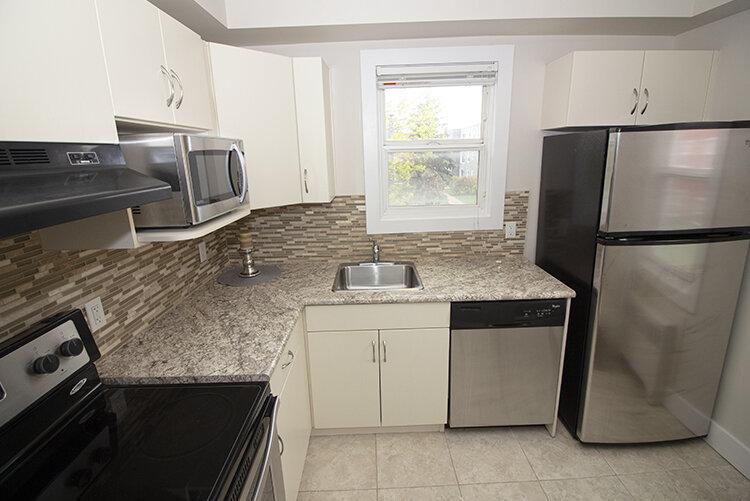 305 Marion - Suite 4 - Kitchen_v2.jpg