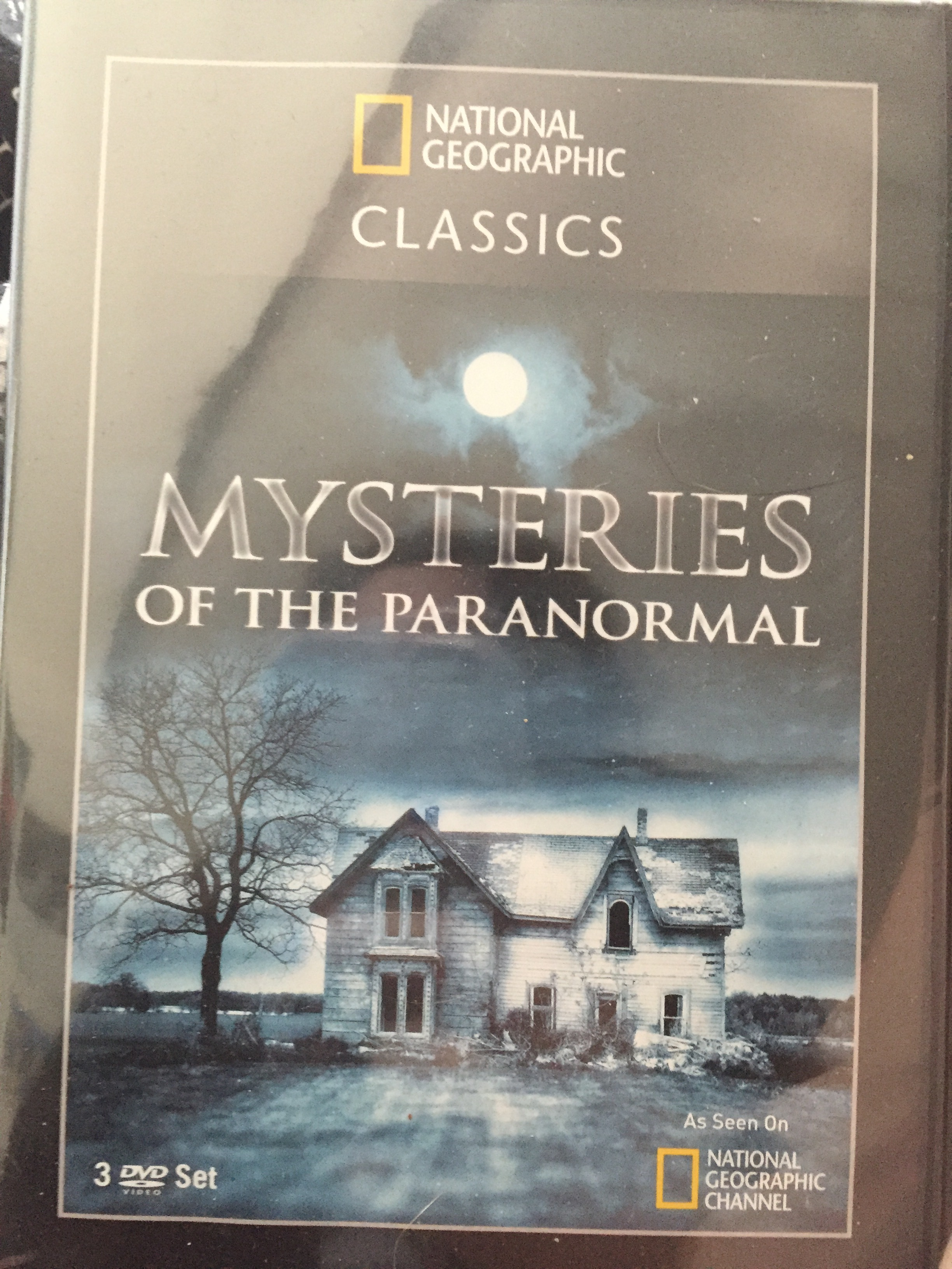 And I really actually love when they're spooky, considering I just got my hands on this (for free!)