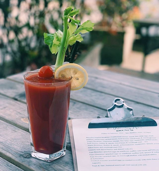 Lets start your week right, bank holiday and brunch in the sun with a Bloody Mary 🍅 • • #bankholiday #monday #bankholidaymonday #brunch #bloodymary #sunshine