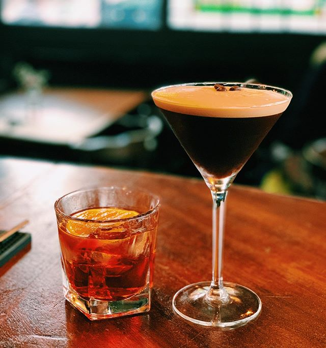 Why not grab one of these for just £5! The Waverley Weekend starts now with our favourite cocktails on offer! • #espressomartini #oldfashion #cocktails #funtime #cocktailtime #thursdaythenewfriday #5poundcocktails #waverleyweekend #thewaverleyarms #waverleyarms #nunhead