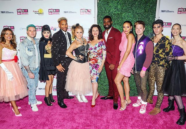 Had a blast this weekend at the  #EnviseGala2019 #80sPoshProm • Thanks @selitaebanks for inviting out to be part of the whole thanggg! • We raised a bunch of $$$ for  @cancerschmancer @acs_california @wearetrueheart  and it feels so great to be able to use my gift-talent to make a difference.  #photocred @shannonlaurine • And yes me and @hudsonthames finally wore our leopard pants at the same time. #fashion duh