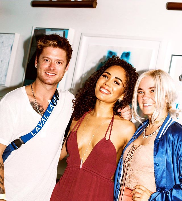 When singers show up to a #nfl party cause.... #Malibu and #Tequila can't really be beat. ⠀ @lenaychantelle @kreeshaturner