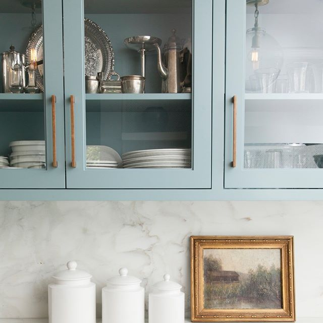Can't stop admiring these accessible and aesthetically pleasing kitchen cabinets? Schedule a free consultation today to maximize storage space with style! kitchensbynancy.com/contact #kitchensbynancy⠀⠀⠀⠀⠀⠀⠀⠀⠀ .⠀⠀⠀⠀⠀⠀⠀⠀⠀ .⠀⠀⠀⠀⠀⠀⠀⠀⠀ .⠀⠀⠀⠀⠀⠀⠀⠀⠀ .⠀⠀⠀⠀⠀⠀⠀⠀⠀ . ⠀⠀⠀⠀⠀⠀⠀⠀⠀ #organizedlife #myorganizedlife #organizationtips #tipsandtricks #homethings #homeorganization #myorganizedkitchen #myorganizedhome #getorganized #organizedhome #declutter #smallspacesquad
